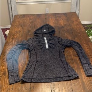 Lululemon athletic pull over active wear